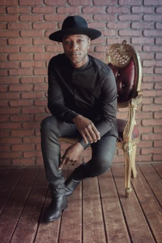 Aloe Blacc keeps making connections on latest album