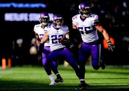 4 Takeaways: Vikings Beat Jets, 37-17