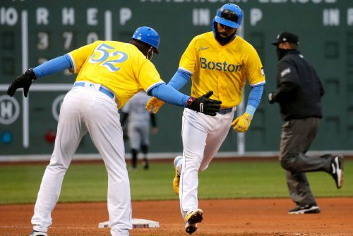 Red Sox snag comeback win in blue-and-yellow uniforms
