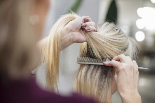 Missouri hairstylist with COVID-19 symptoms exposed up to 84 clients, 7 coworkers: Officials
