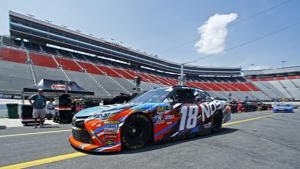 NASCAR moves Saturday night start at Bristol up 1 hour