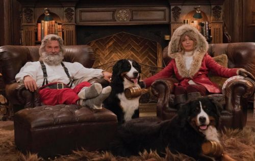 Goldie Hawn, Kurt Russell posed for the best Christmas photo of 2018