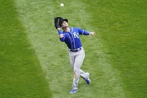 Royals rally past White Sox for wild 4-3 win in 10 innings