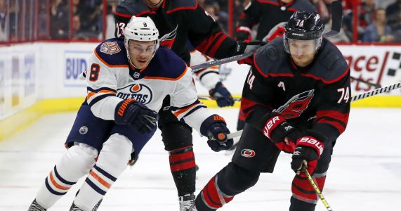 Niederreiter leads Carolina past Edmonton, 3-1