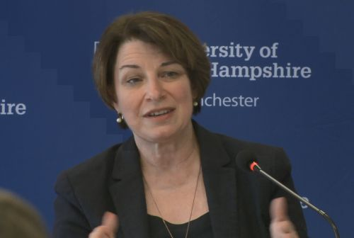 In NH, Sen. Klobuchar learns about NH commuter rail debate, promotes infrastructure plan