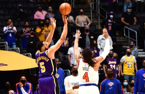 Knicks lose OT crusher to Lakers as playoff clinch will have to wait