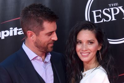 Olivia Munn reportedly at center of Aaron Rodgers' family feud