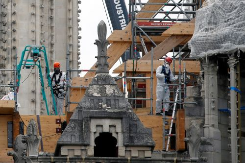Worshippers attending first mass since Notre Dame cathedral fire to wear hard hats