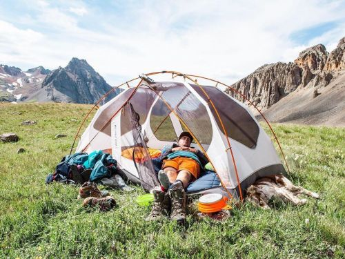 Backcountry is having a massive sale on past-season items and new arrivals - including deals from its in-house brand, Columbia, and Fjällräven