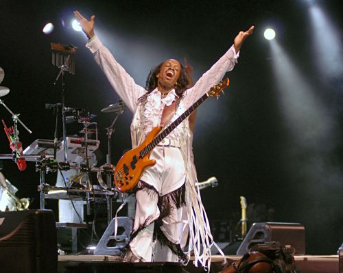 Earth, Wind & Fire said the reason they picked the 21st of September has nothing to do with the seasons