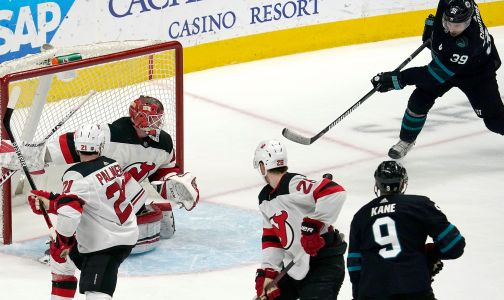 Devils' win streak snapped in overtime loss to Sharks