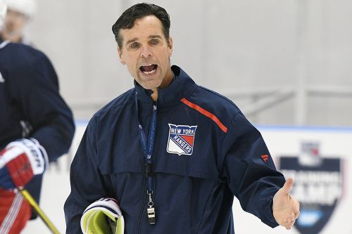 Quinn wants Rangers to pick up pace when they're a man up
