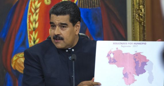 Venezuela opposition shows evidence of tampered vote count