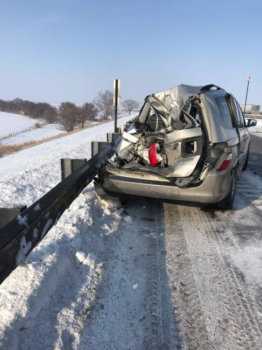 Man survives 11 vehicle pile-up on I-80 during winter weather