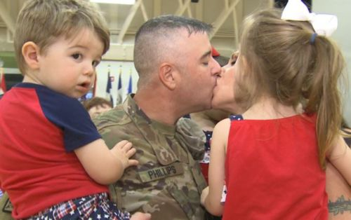 Fort Knox soldiers return home