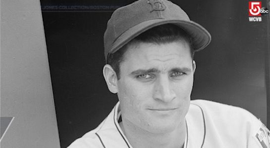 Red Sox 2nd baseman Bobby Doerr dies at age 99