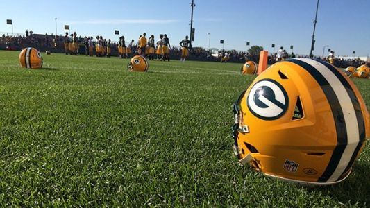 Baldwin's 'Go Pack Go Act' would let all Wisconsin residents watch Packers