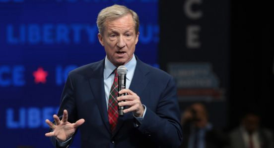 Steyer endorses Biden while prodding him on young voters