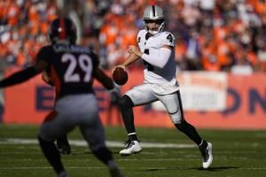 Raiders' offense thrives in 1st game without Gruden
