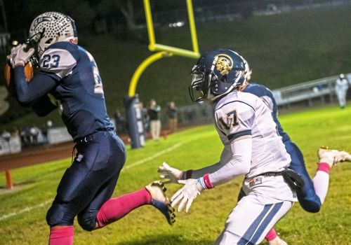 Burgettstown holds off Brentwood to claim second consecutive conference title, 16-13