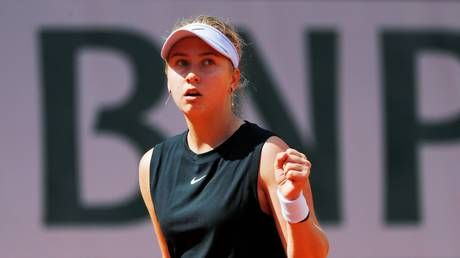 Russian teen Potapova stuns Wimbledon champ Kerber in first round of French Open