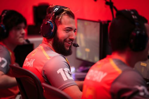 Competitive video games could be as big as Major League Baseball - here's what it's like to be an e-sports athlete at the highest level