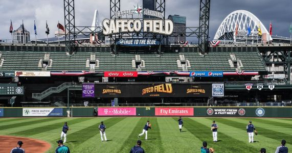 Mariners agree to a new 25-year lease to stay at Safeco Field
