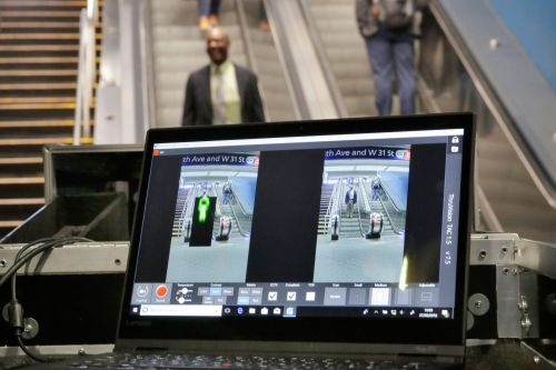Los Angeles to be first US city to install subway body scanners
