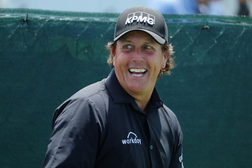 Phil Mickelson invests in futuristic frozen yogurt chain
