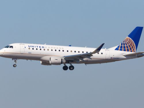 2 United employees are reportedly suing the airline for staffing NFL, MLB, and NCAA charter flights with young, blond crews