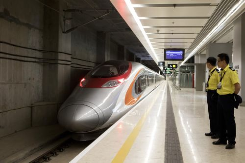 New Chinese train will make 1-hour Hong Kong trip in 14 minutes