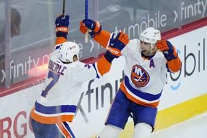 Leddy's OT goal lifts Islanders to 1-0 win over Flyers