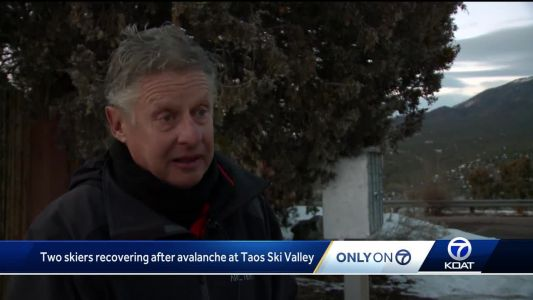 Fmr Gov. Gary Johnson rushes to help find missing skiers after rare avalanche