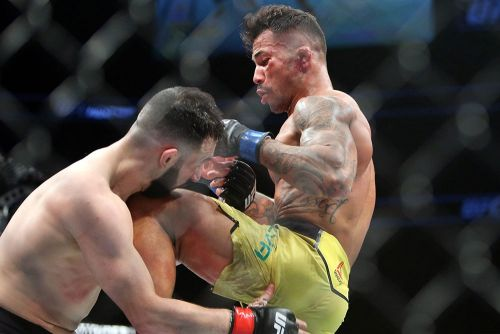 Video: Jared Gordon unconscious but still standing after brutal knockout at UFC on FOX 31