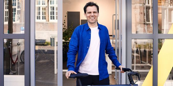 Popular Dutch e-bike startup VanMoof has raised $40 million as growth explodes - here's an exclusive look at its pitch deck