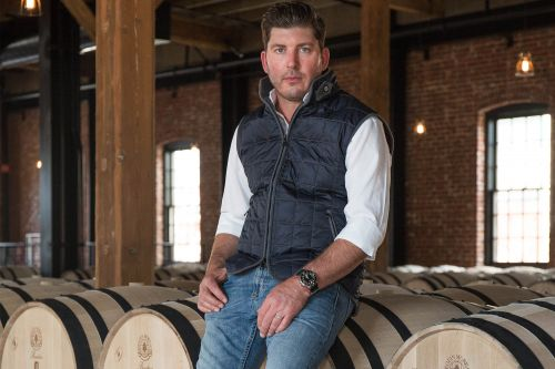 Winemaker bringing food to Northern California town without restaurants