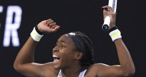 15-year-old Gauff upsets '19 champ Osaka at Australian Open