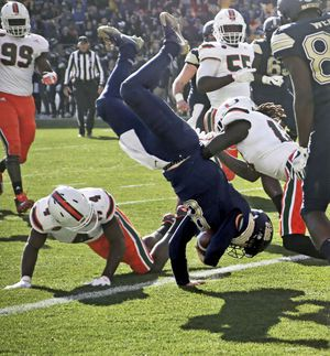 Pitt beats No. 2 Miami 24-14, ending 15-game win streak