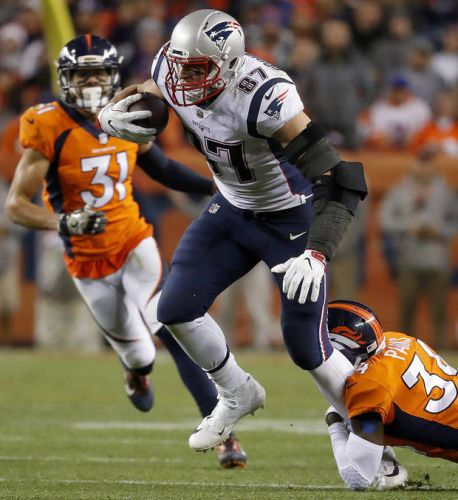 Suit over erotic fiction about NFL player Gronkowski tossed