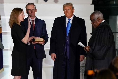 Chief Justice Roberts to administer judicial oath to Amy Coney Barrett
