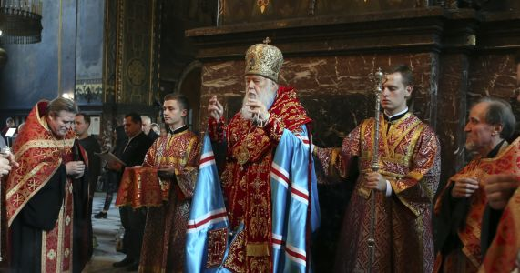 Birth of a new Ukrainian church brings fears of violence