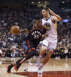 Curry back in Warriors' starting lineup against Raptors