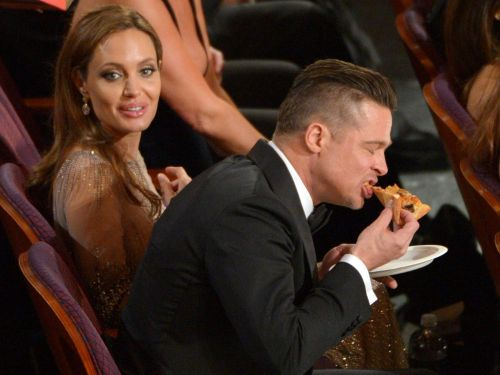 10 times celebrities brought food to awards shows