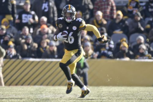 Steelers won't use franchise or transition tag on Le'Veon Bell