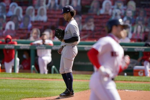 Yankees' Deivi Garcia pummeled by Red Sox in concerning, streak-ending loss
