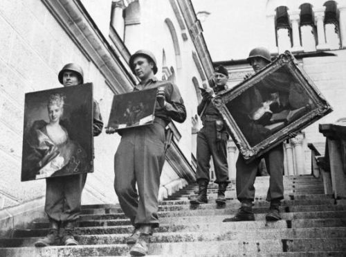Looted by Nazis, Recovered, Sold Back to Hitler's Photographer's Daughter-How One Painting Got Back to Its Rightful Owners