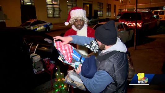 Rodney Smith Jr. touring nation to bring Christmas to homeless