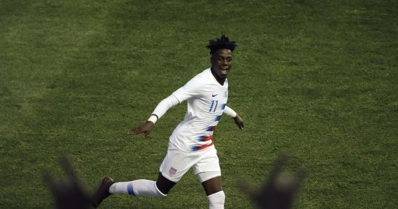 Tim Weah can't escape famous name on back of PSG & US jersey