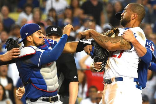 Kemp, Chirinos ejected after home-plate scuffle