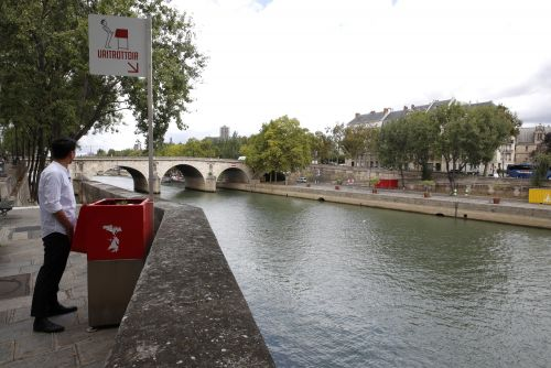 Paris residents pissed at public, eco-friendly urinals
